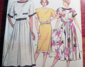 "1980s Loose Fitting Sundress Tunic Dress sewing pattern Vogue 9583 Size 8-10-12 Bust 31.5-32.5-34"" UNCUT"