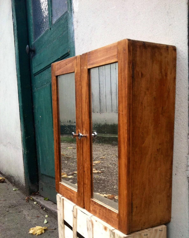 vintage wooden mirrored medicine cabinet chest cupboard mirror. Black Bedroom Furniture Sets. Home Design Ideas