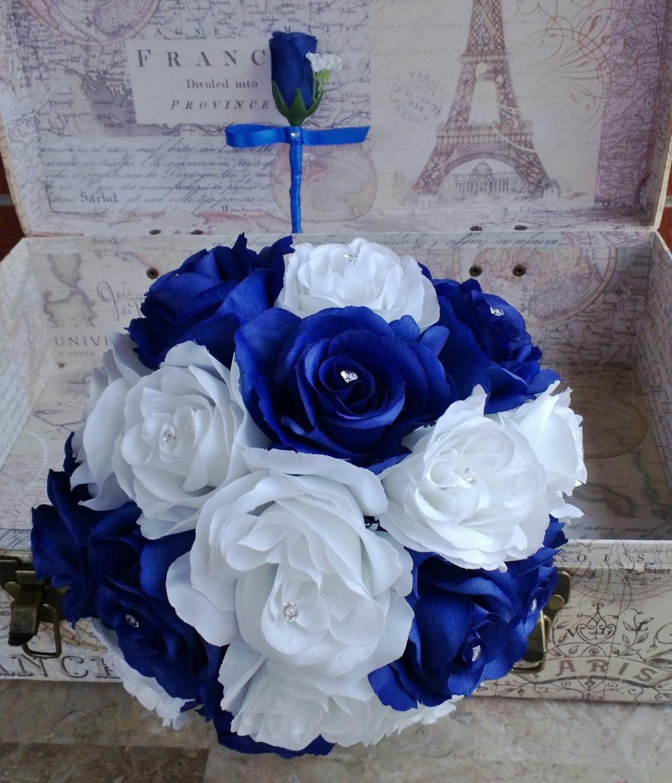 Royal blue white rose bouquet royal blue white bouquet white for Bouquet roses blanches