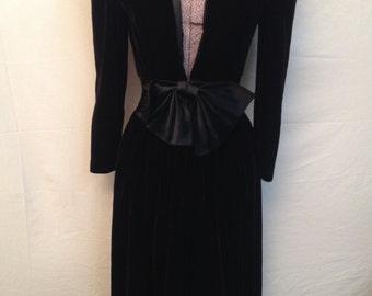 Vintage Women's Velvet Dress