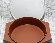 Vintage Tupperware Brown Tortilla Pita Bread Keeper #785-1 with White Lid #230-8
