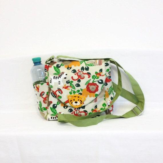 Wickeltaschen Set, schmale Wickeltasche, Tasche für Windeln und Wickelauflage, hübsches Schnullertäschchen, Lätzchen, Kindergartentasche