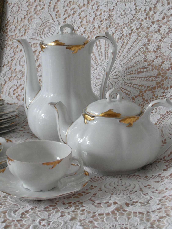 antik teekanne weimar porzellan wei gold von timelessgiftsandmore. Black Bedroom Furniture Sets. Home Design Ideas