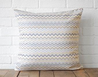 Grey & White Zig Zag Throw Pillow