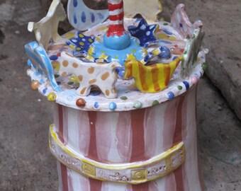 La giostra delle caramelle, ceramic box sculpture, art pottery