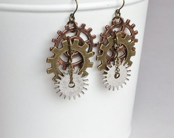 Steampunk Earrings, Sprocket Clock Gear Antique Bronze Earrings E111