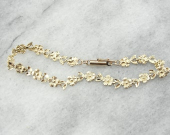 Sweet Daisies, A Vintage Yellow Gold Flower Bracelet 0HH8U2-D