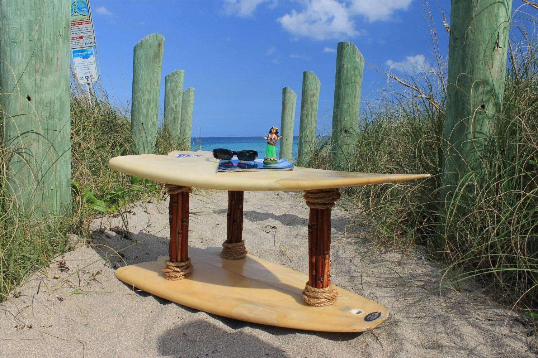 Table de planche de surf fabriqu partir de v ritable - Table planche de surf ...
