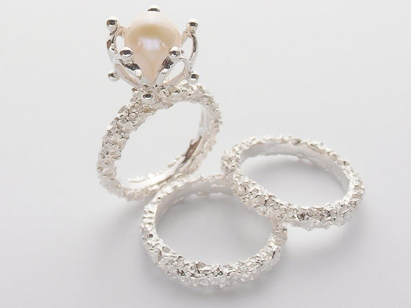 Pearl engagement ring with matching wedding bands set for Pearl engagement ring with wedding band