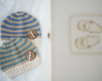 Newborn boy coming home outfit / newborn boy photo outfit / newborn hat wooden button / baby boy shower / knit striped beanie / hat for boy