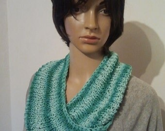 Knitted Möbiusschal from a Ribbon yarn with a gradient from pure cotton Green