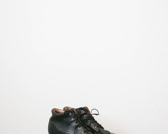 80s black leather ankle boots   size 7 1/2