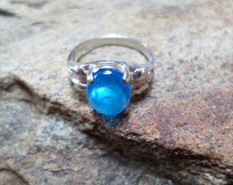 Neon Apatite Ring, Blue Ring, Blue Gemstone Ring, Fine Jewelry, Sterling Silver Ring, Blue Gemstone Ring