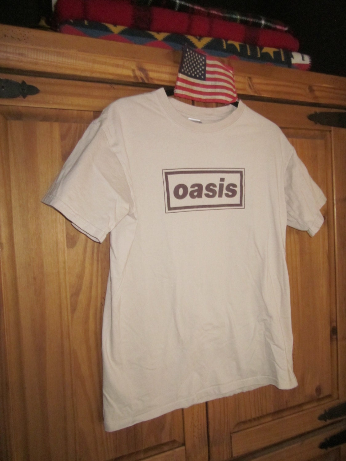 oasis t shirt by chocolatepalomino on etsy. Black Bedroom Furniture Sets. Home Design Ideas