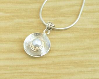 Mod Pearl Pendant