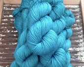 ISLINGTON fingering – 55 Superwash British Bluefaced Leicester / 45 Silk …'Verdigris' rich turquoise