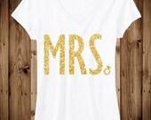 MRS. GLITTER Bride Shirt White V-neck, Honeymoon Shirt, Wedding shirt, Bridal shirt, Bride Vneck, wedding
