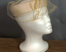 1950's Fascinator. Cream Halo Hat with Goose Feathers Made In USA
