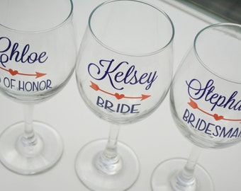 Bridesmaid wine glass / personalized wedding wine glass / bridal party