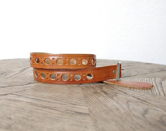 30% OFF SALE - 70s Bohemian Caramel Brown Tooled Cheese Leather Belt