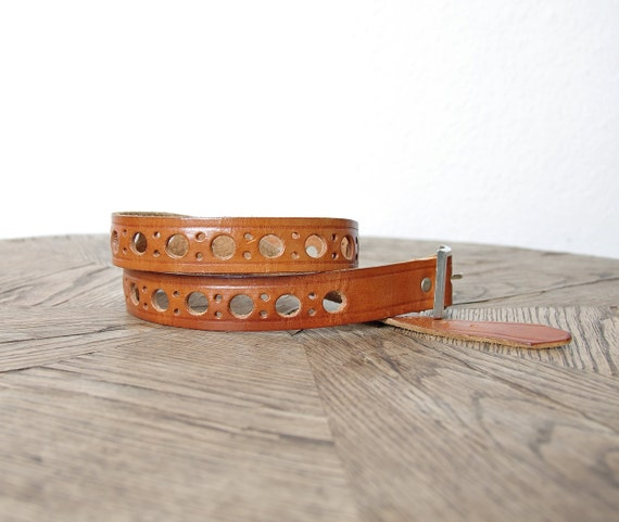 SALE - 70s Bohemian Caramel Brown Tooled Cheese Leather Belt
