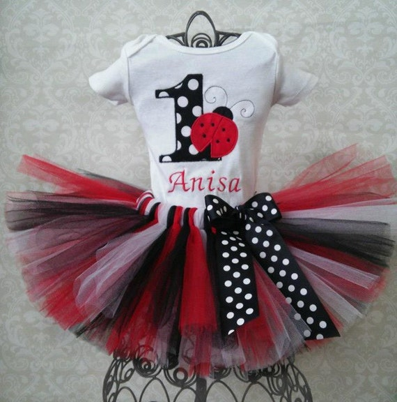 foto de Ladybug 1st Birthday Tutu Outfit by GigglesandWiggles1 on Etsy