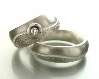 Wedding rings in sterling silver with wave and white diamond, wedding ring set - handmade by SILVERLOUNGE