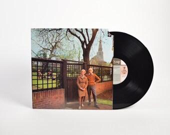 "FAIRPORT CONVENTION - ""Unhalfbricking"" vinyl record"