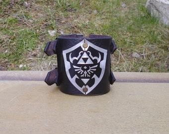 Ocarnia of time bracelet , Legend of Zelda , Hylian crest shield   , Legend of Zelda bracelet , Legend of Zelda Shield , wrist cuff