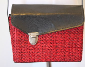Vintage Red and Black Color Block Purse// Small Structured Crossbody Bag// Box Shaped Bag
