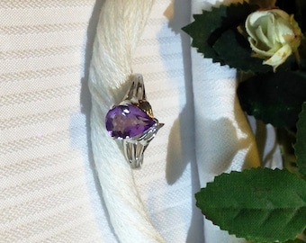 Beautiful Solitaire Amethyst Ring ~ 925 Sterling Silver ~ Size 6