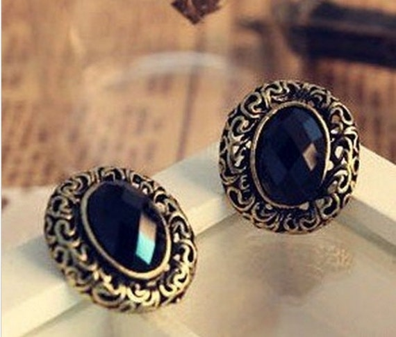 Black Stone Earrings: Black Stone Stud Earrings