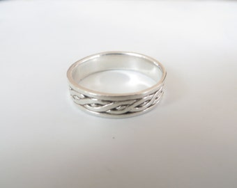 Sterling Tribal Band / Ring