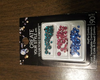 Jolee's Jewels 90 Crystallized Swarovski Elements Hotfix flatback Crystals in jeweltone green, red and blue Mix – Bling