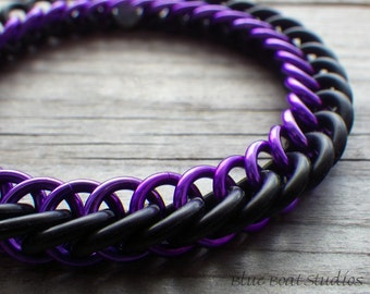Purple and black rubber chainmaille bracelet; stretchy chainmaille bracelet; purple chainmaille jewelry; rubber chain maille bracelet