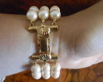 Bracelet Richelieu 3 strand faux pearls with sea shell clasp goldtone