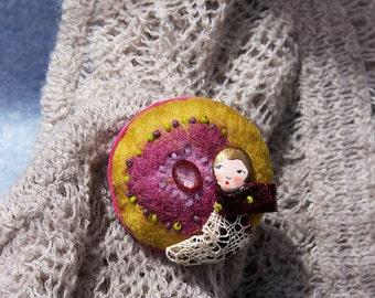 Needle felted brooch Crimson
