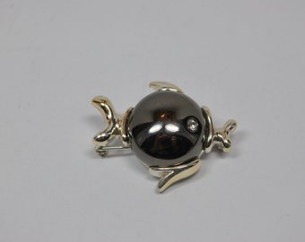 Vintage Black Jelly Belly Fish 1960s Pin Brooch Silvertone Rhinestone Eye