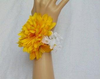Wrist Corsage - Yellow Corsage - Yellow Wrist Corsage - Lilly Corsage - Prom Corsage - Prom Wrist Corsage - Small Corsage