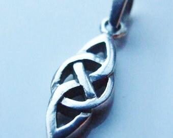Vintage 925 Sterling Silver Celtic Knot Pendant