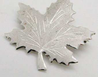 Vintage 925 Sterling Silver Maple Leaf Brooch Pin