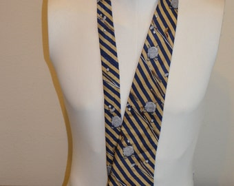 Vintage Tobasco Pepper Sauce and Golf Full Length Necktie