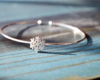 Sterling silver snowflake bangle bracelet, 925 sterling silver bangle (SZ1)