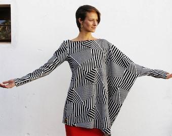 Asymmetrical black and white over sized tunic-Winter tunic-Long sleeves tunic-Zebra