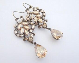 Crystal Bridal earrings, Chandelier Wedding earrings, Wedding jewelry, Antique brass earrings, Swarovski earrings, Vintage style earrings