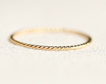 One SOLID 14k Gold Rope Thread Ring - Tiny Twist Textured Stacking Ring - Delicate Jewelry - Memory Ring