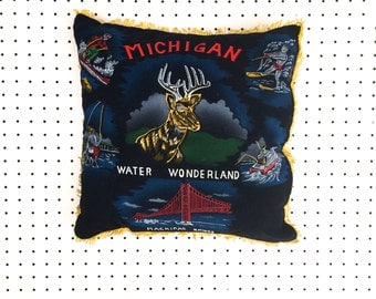 Vintage Michigan Souvenir Pillow Cushion (1960s)