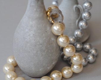 1970s Faux Pearl Necklace