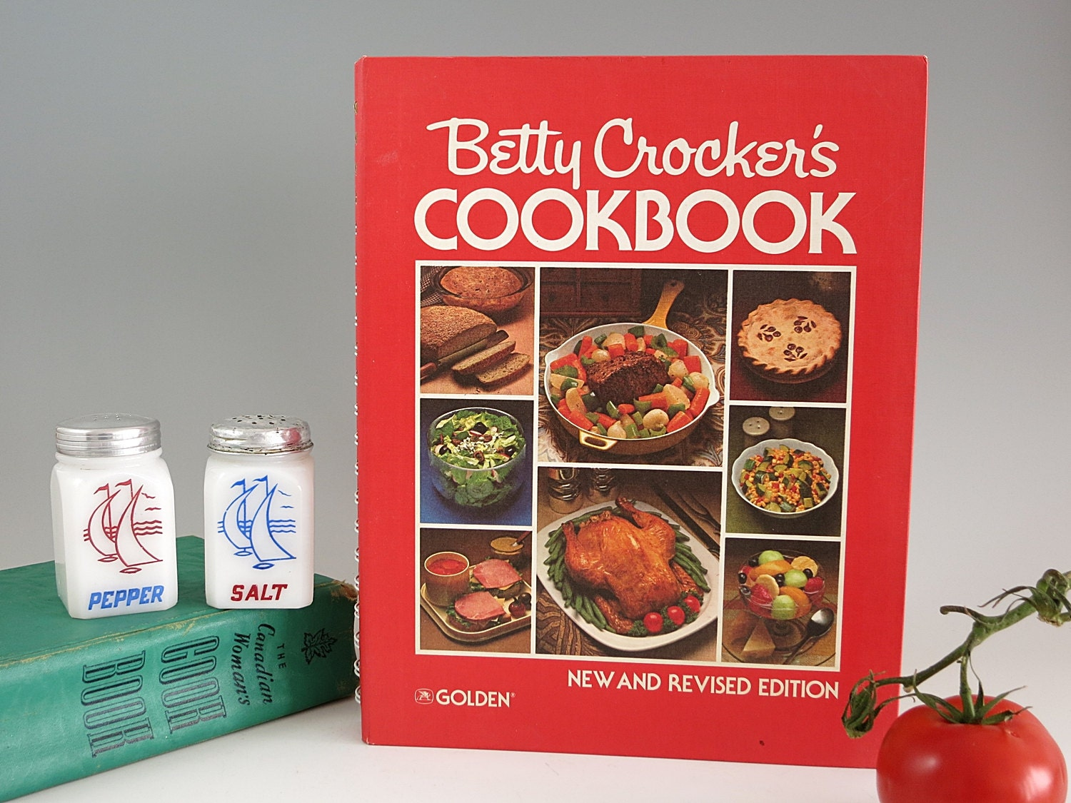 Betty Crocker's COOKBOOK 1979 2nd print Gold New and Revised HB