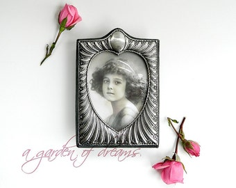 Art Nouveau style sterling silver heart picture frame valentines deco English hallmarked velvet back classic romantic gift home decor c 1983